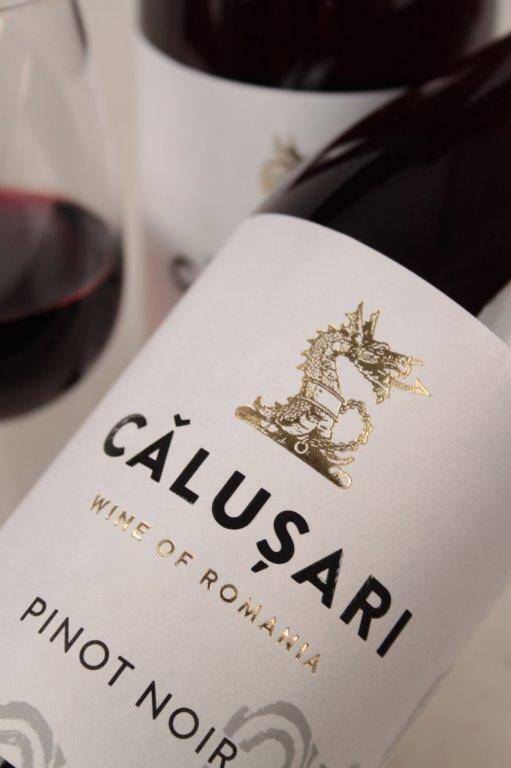 calusari-pinot-noir-close-up